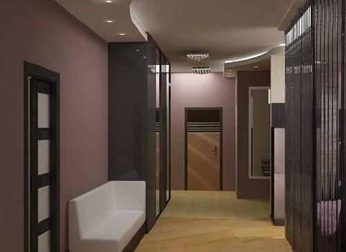 Гипсокартонный потолок просторного коридора