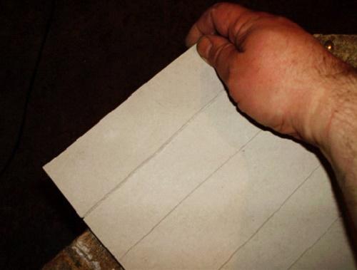 Надрезы на гипсокартонном листе