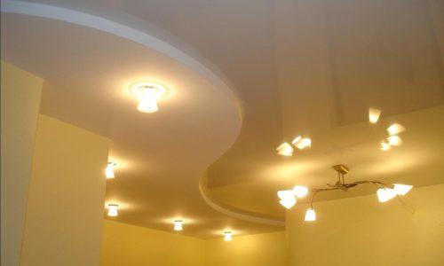 Фигурный волнистый потолок