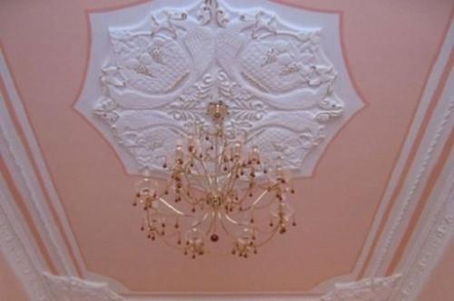 Оформление узора на потолке