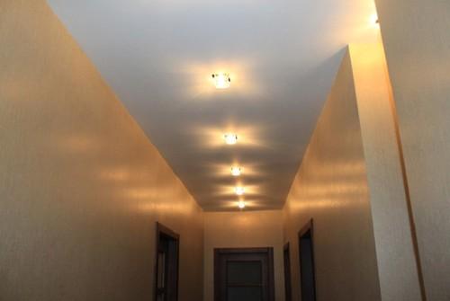 Потолок в прихожей